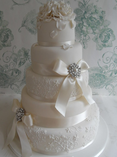 Elegant Lace  Delivering this cake to Dunchurch Park Rugby  Flickr