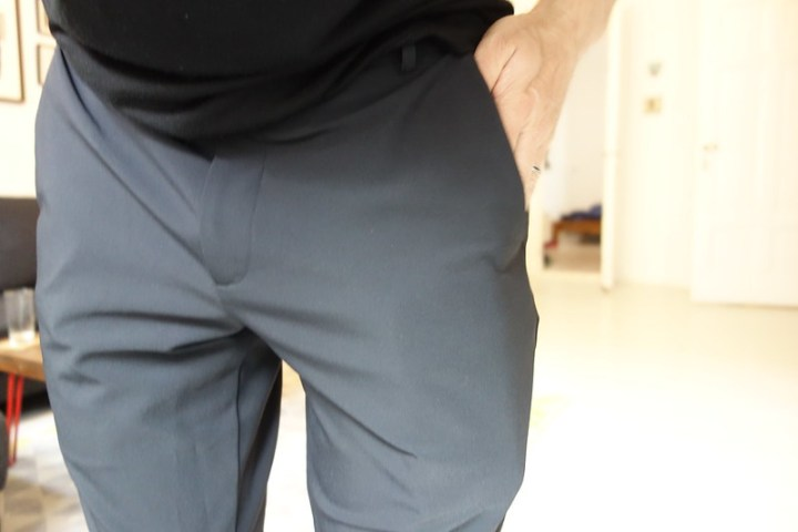 I'm pushing down the phone in the pocket so you can see the outline a little all the way down. Those are deep pockets!