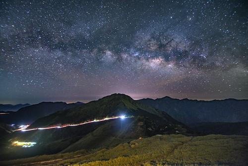 合歡山主峰.武嶺.松雪樓~車軌銀河~ Milkyway | Shang-fu Dai | Flickr
