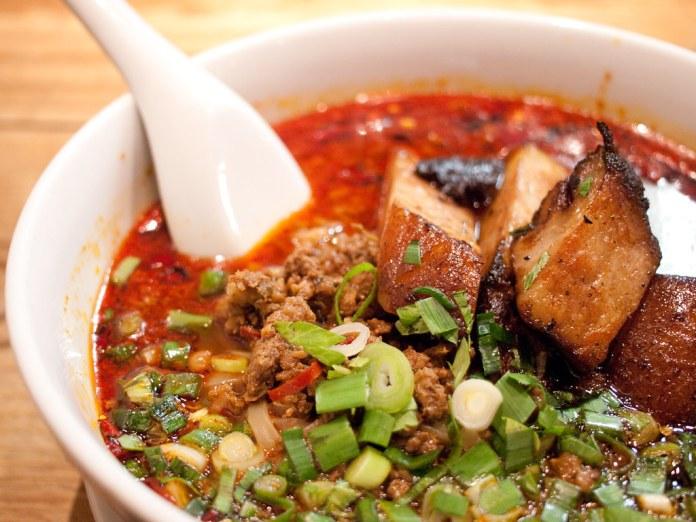 漢肉坦々麺