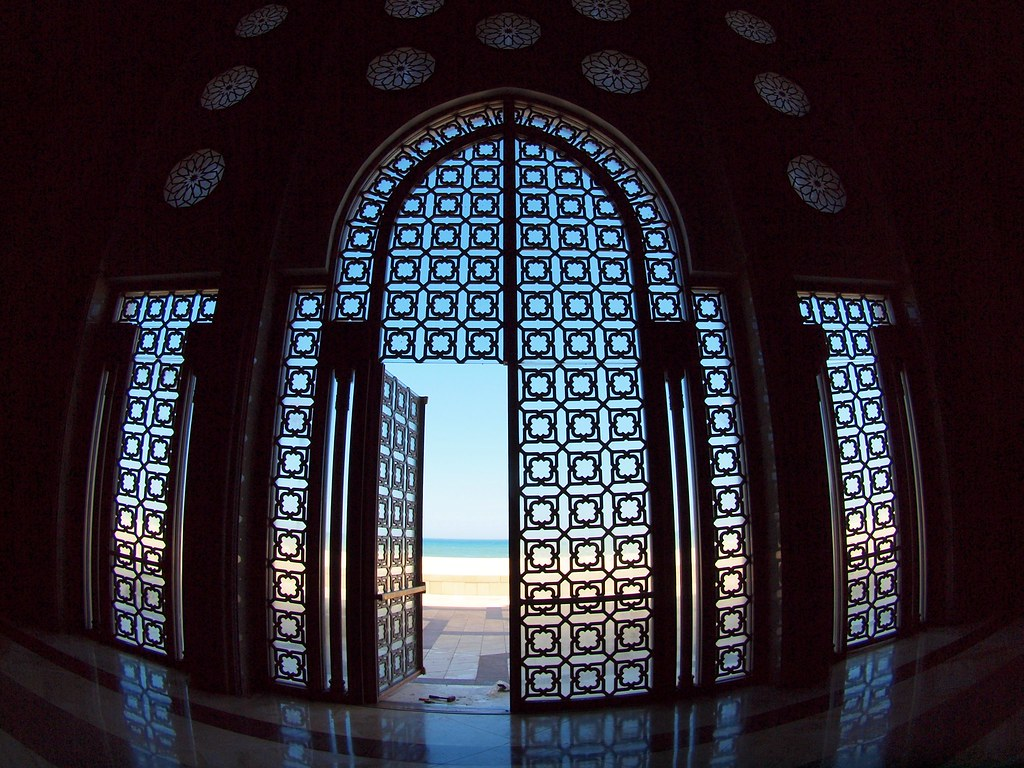 Free Animated 3d Wallpaper A Door Facing The Sea Is Seen Open As It Was Left By Worke