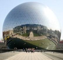 La Ode Spherical Building In Paris