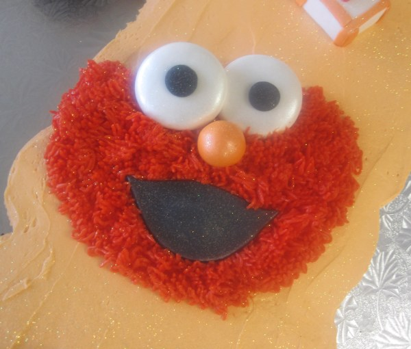 Sesame Street Beginnings Pull- Cupcake Cake