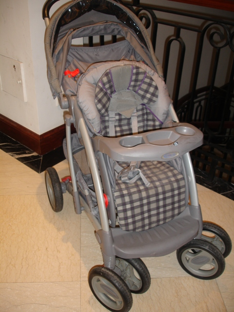Graco Stroller  350 rmb  Grey with purple plaid accents