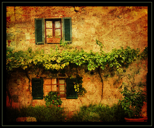 Casa Rustica  Rustic cottage with lots of vegetation
