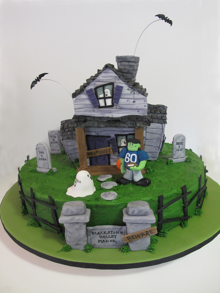 Haunted House Cake The House Is Actually Made Out Of Rice Flickr