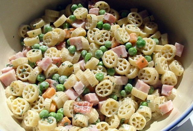 Wagon Wheel Pasta Salad  2 cups cooked small wagon wheel