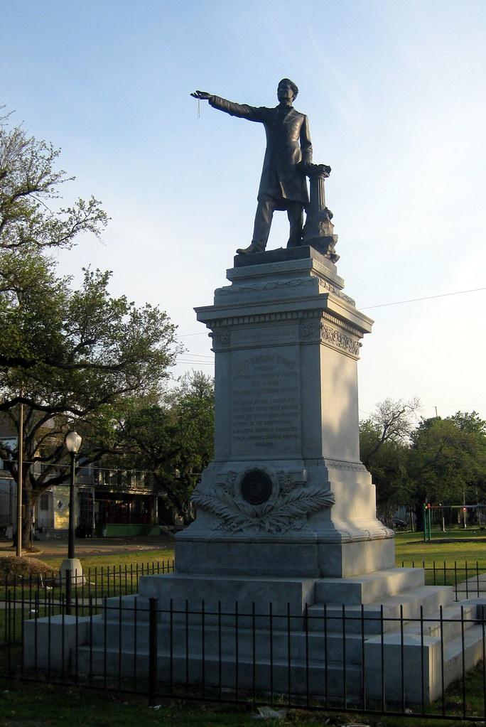 New Orleans  MidCity Jefferson Davis Monument  The
