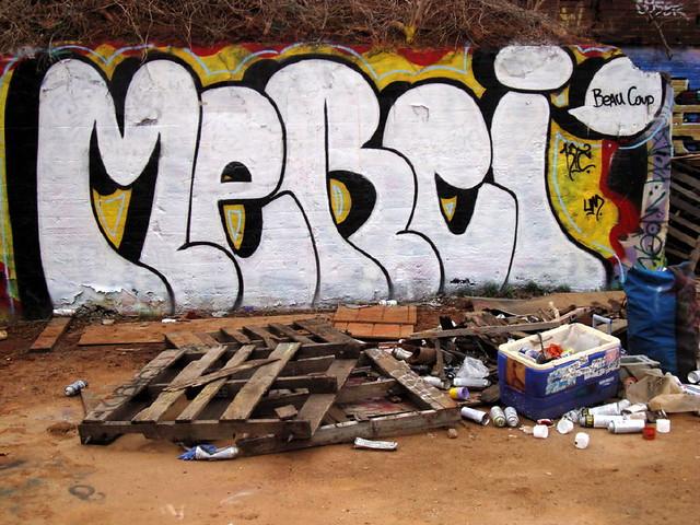 Graffiti Chicken Hill Trackside Gallery MERCI Beau Coup