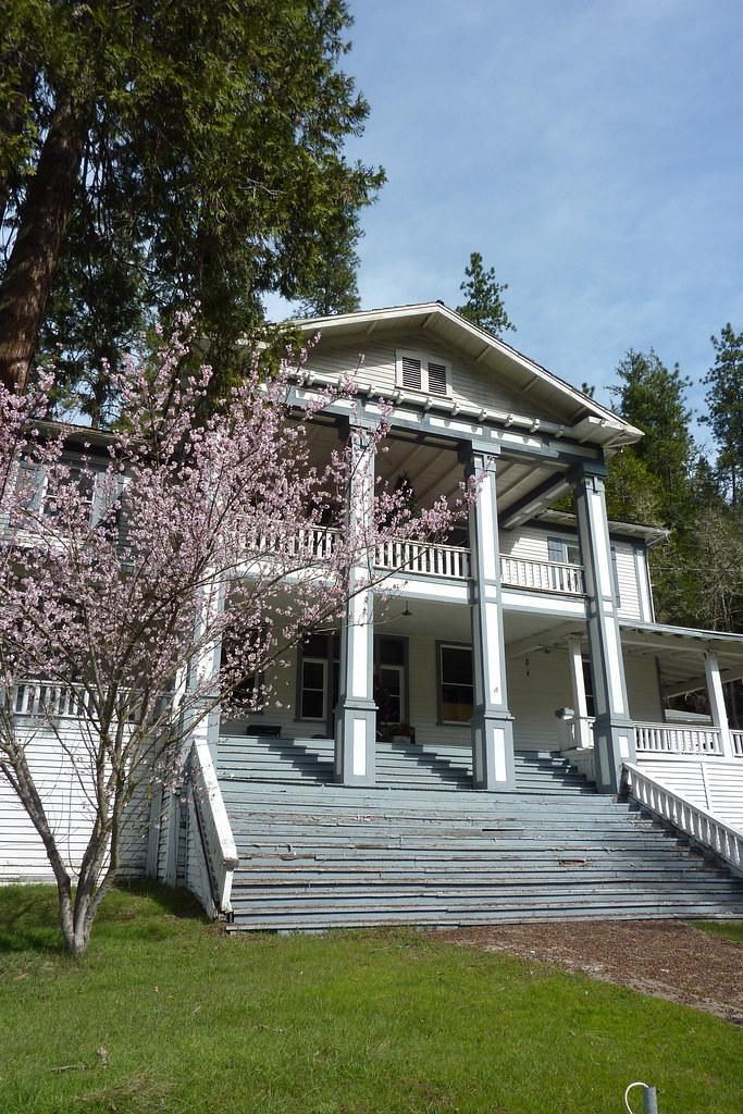 Rogue Elk Hotel Trail Oregon When It Was Built In 1916
