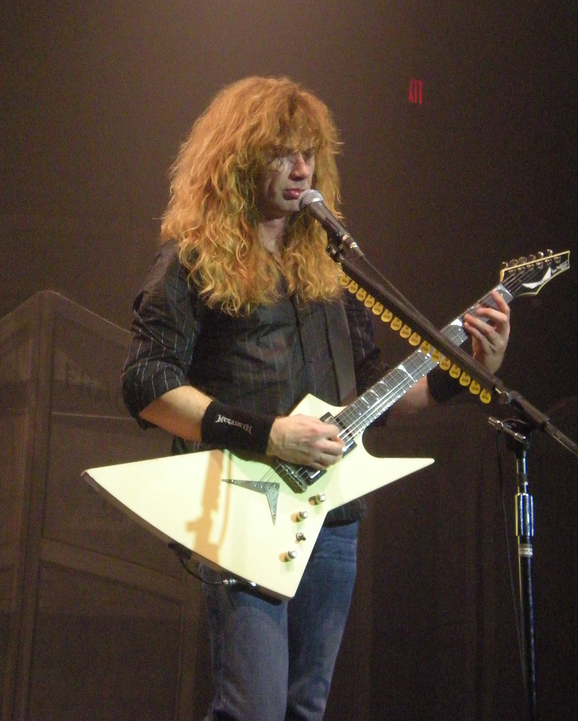 Dave Mustaine playing his Dean Zero guitar  old_skool