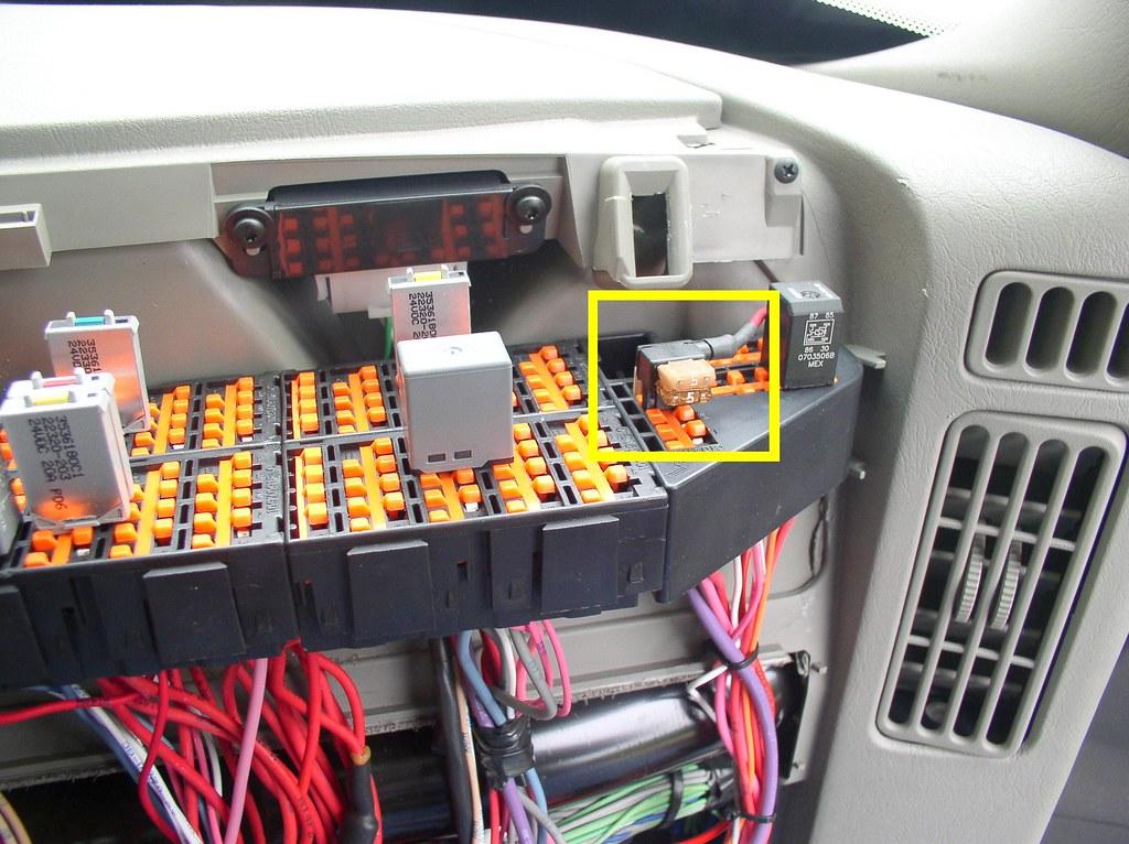 kenworth trailer plug wiring diagram 2004 nissan frontier stereo interstate batteries navistar hts power in dash fuse … | flickr