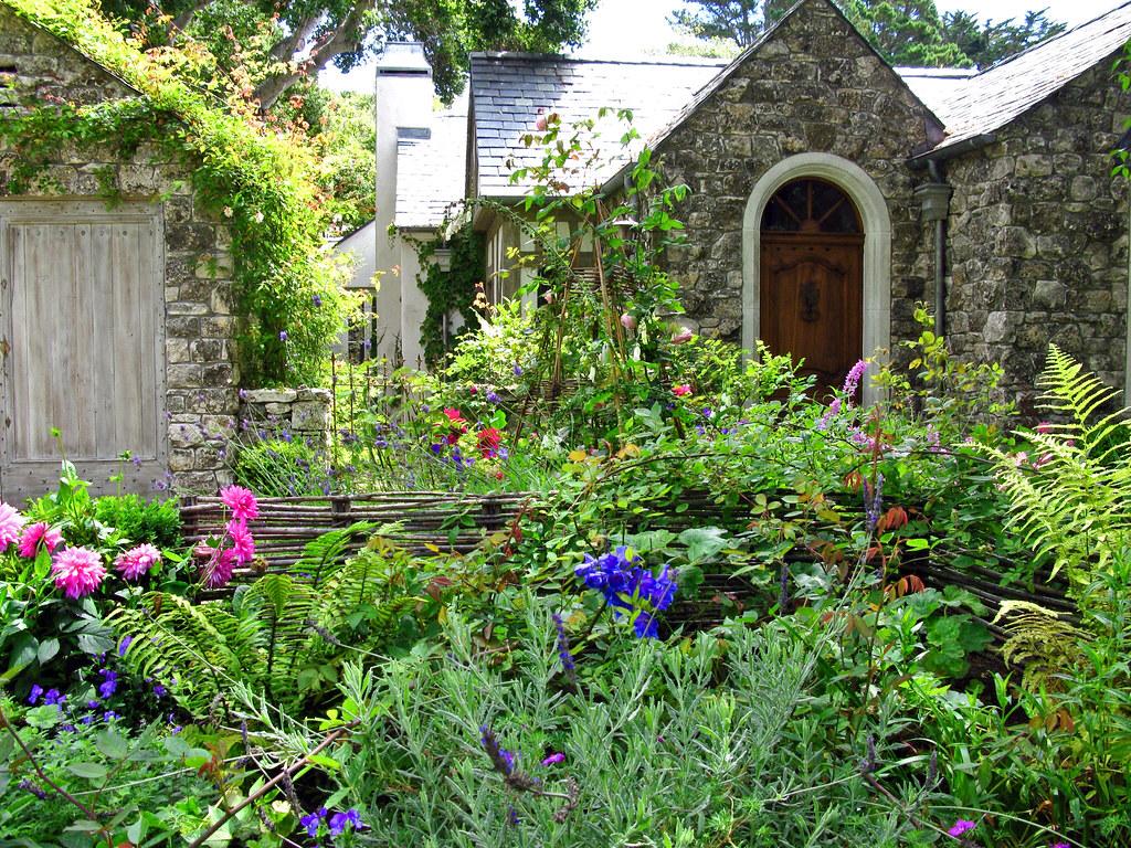 COTTAGE GARDEN The Cottage Garden Is A Distinct Style Of