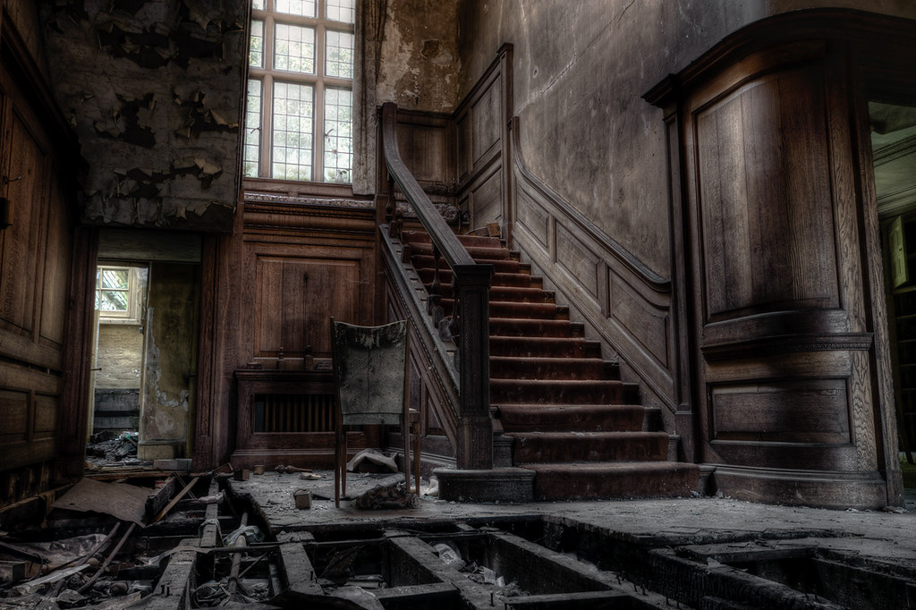 The Grand Staircase  Potters Manor House  29th August