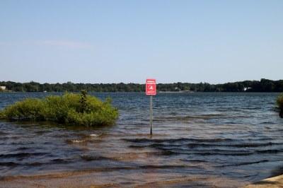 Lake Ronkonkoma | Lake Ronkonkoma is a kettle lake in the ...