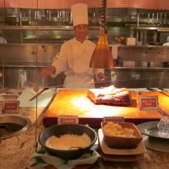 Anaheim Hotels With Kitchen Near Disneyland Walls Goofy 39s Hotel Ca Www