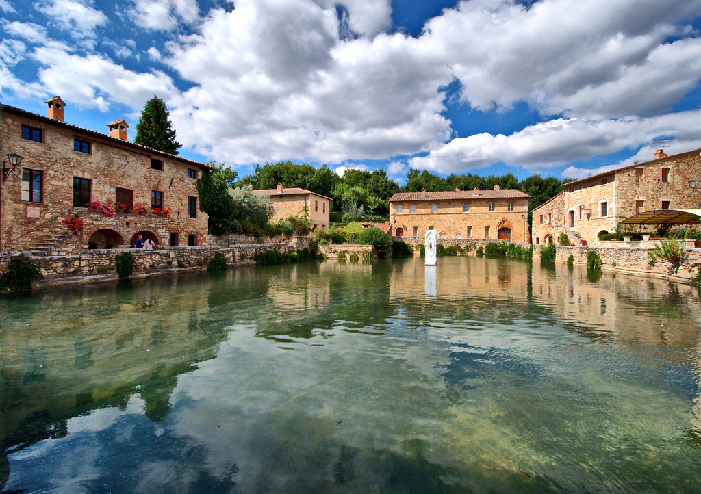 Bagno Vignoni  The ancient village of Bagno Vignoni is loca  Flickr
