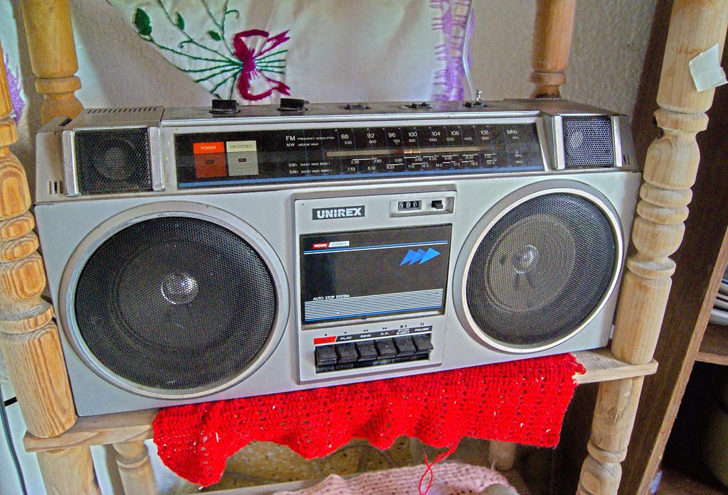 Grabadora antigua de los 80 y 90s  Grabadora que pertenece   Flickr