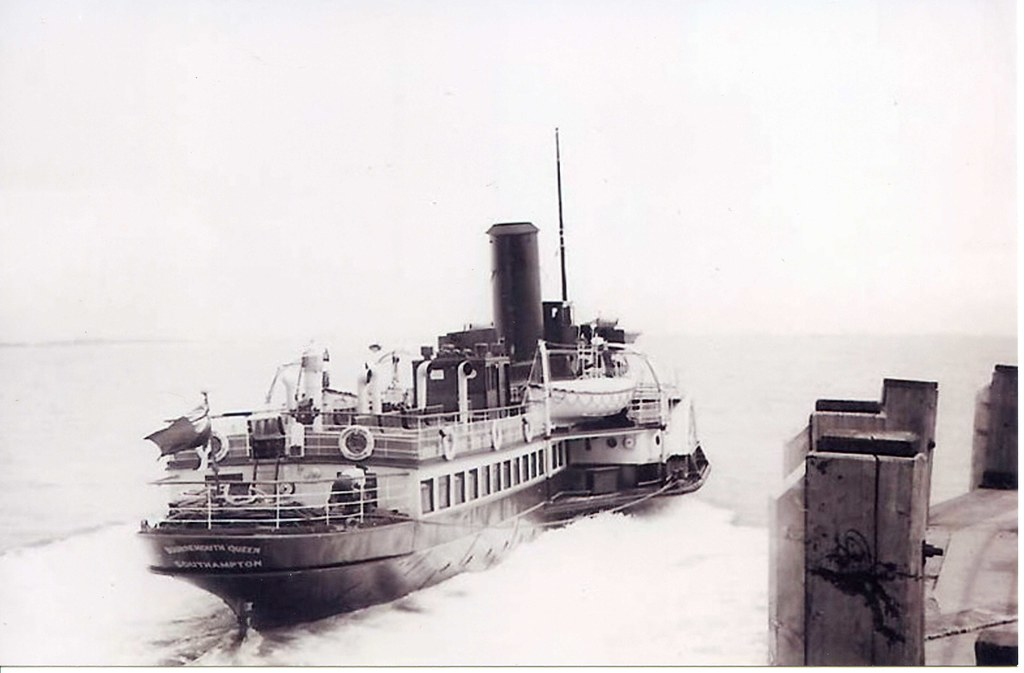 Paddle Steamer Bournemouth Queen