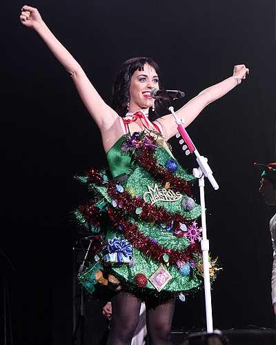 Katy Perry Christmas Look At Her Christmas Tree Dress