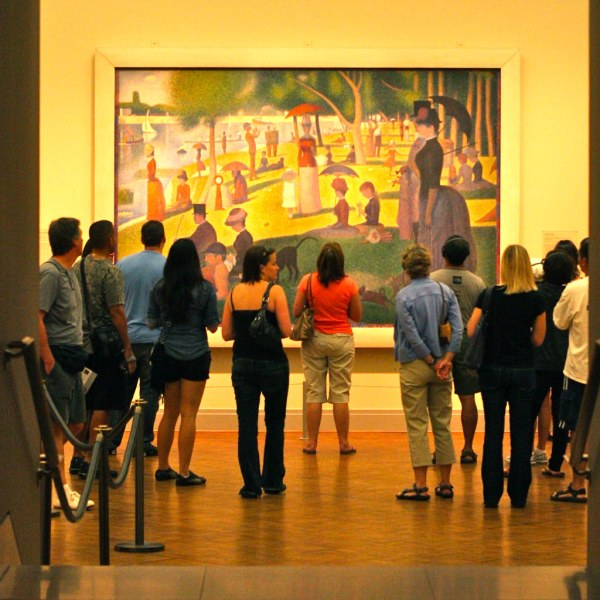 Viewing Seurat Fans Of Art Institute Chic