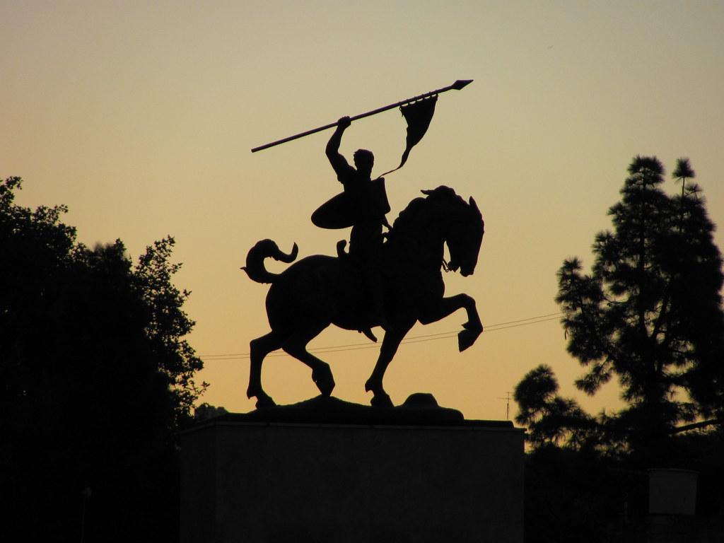 3d Angel Wallpapers Free El Cid Campeador Silueta Del Monumento Al Militar