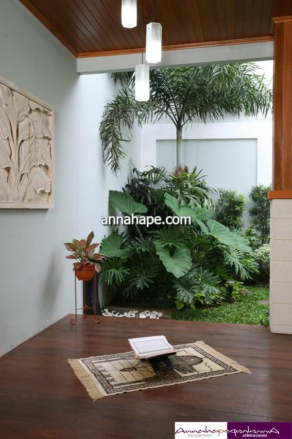 Desain Mushola Mungil di Teras Belakang Rumah  Design by