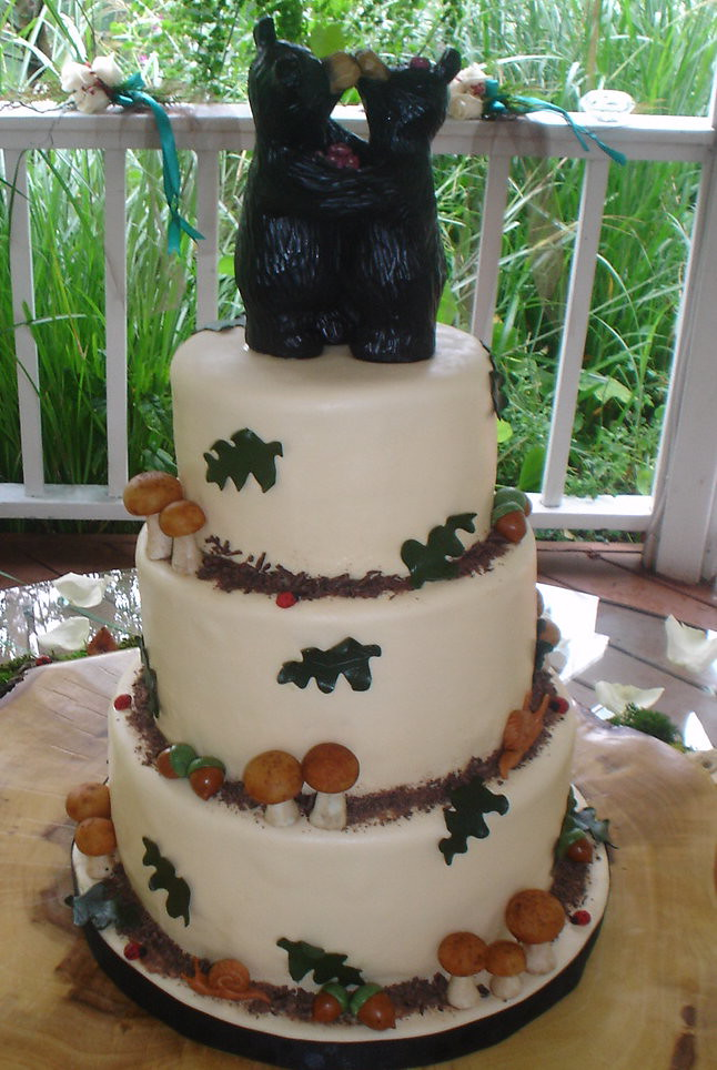 Woodsy Wedding Cake  A neat cake for a really nice couple