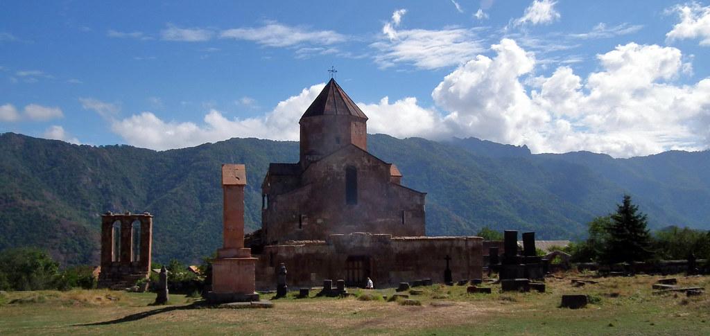 vista exterior de Basilica de Odzun Armenia 01
