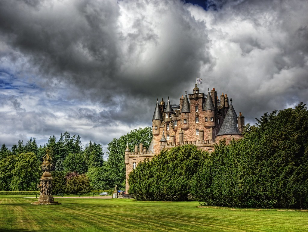 Fall In New England Wallpaper Glamis Castle And Sundial This Is Another And Much Less