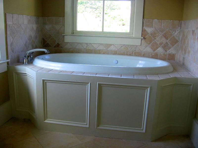 Tile And Trim Detail On Garden Tub Garden Tub On Master Ba Flickr
