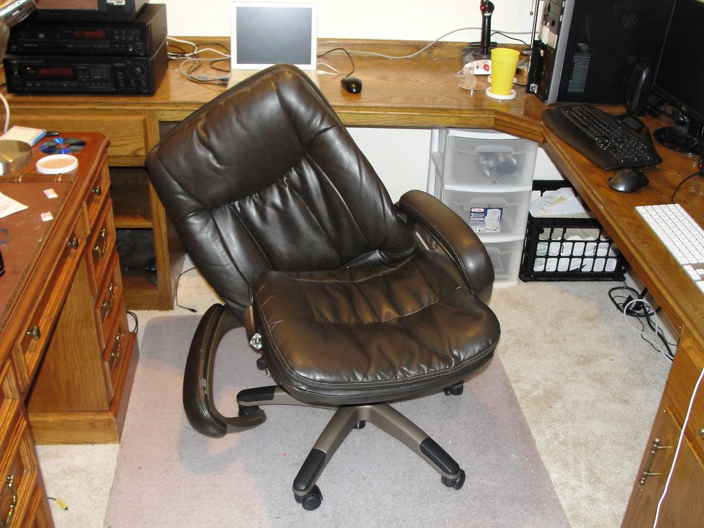 desk chair leans forward posture gumtree broken office i had quite a surprise tonight