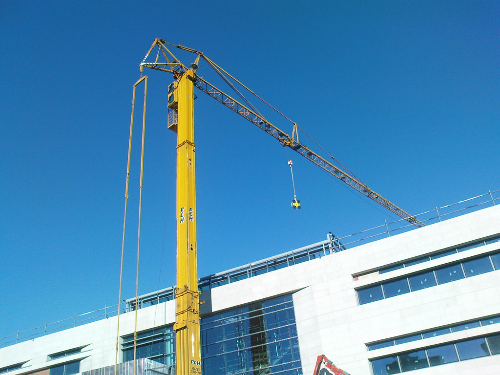 Office Space: Lease Or Build Your Own?  BIZZ BEGINNINGS