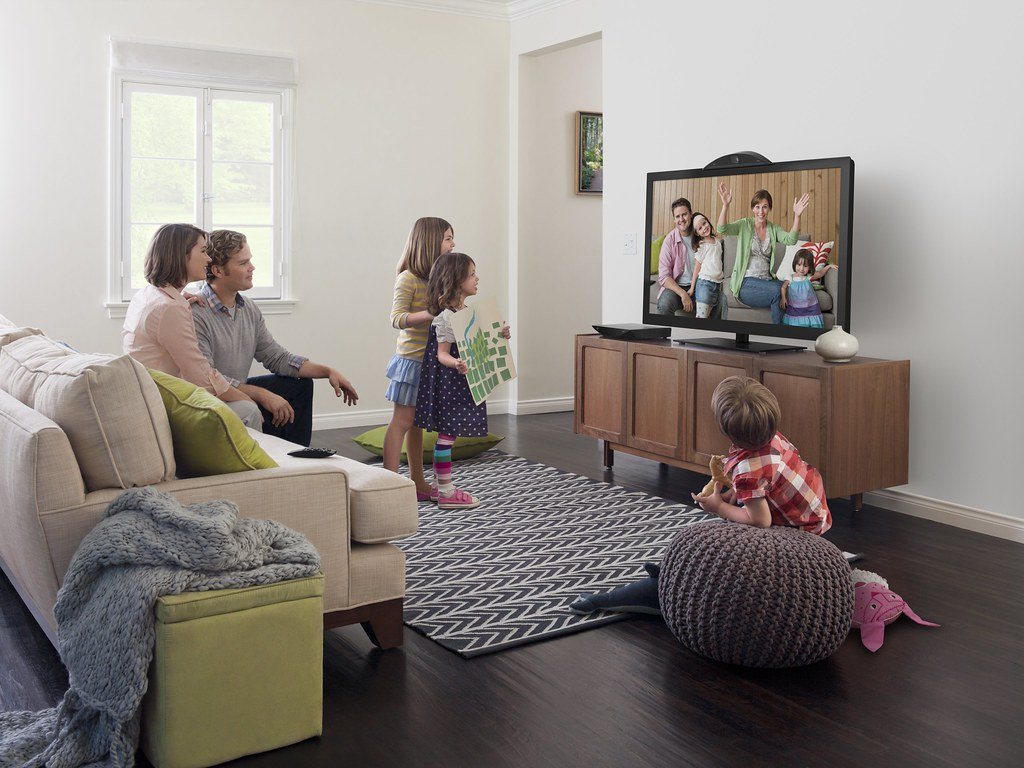 Cisco mi Brings Family and Friends to the Living Room at
