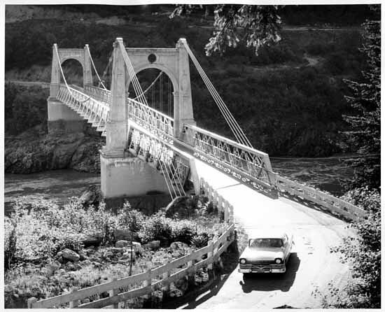 Alexandra Suspension Bridge 1958  The second Alexandra