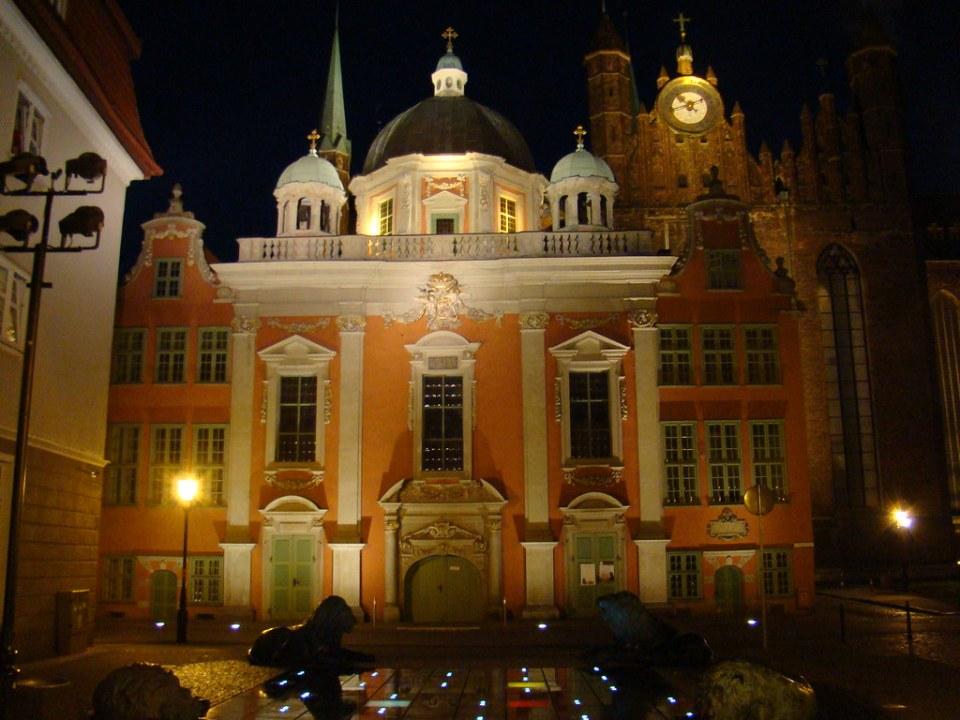 Gdansk Capilla Real de noche Polonia 06