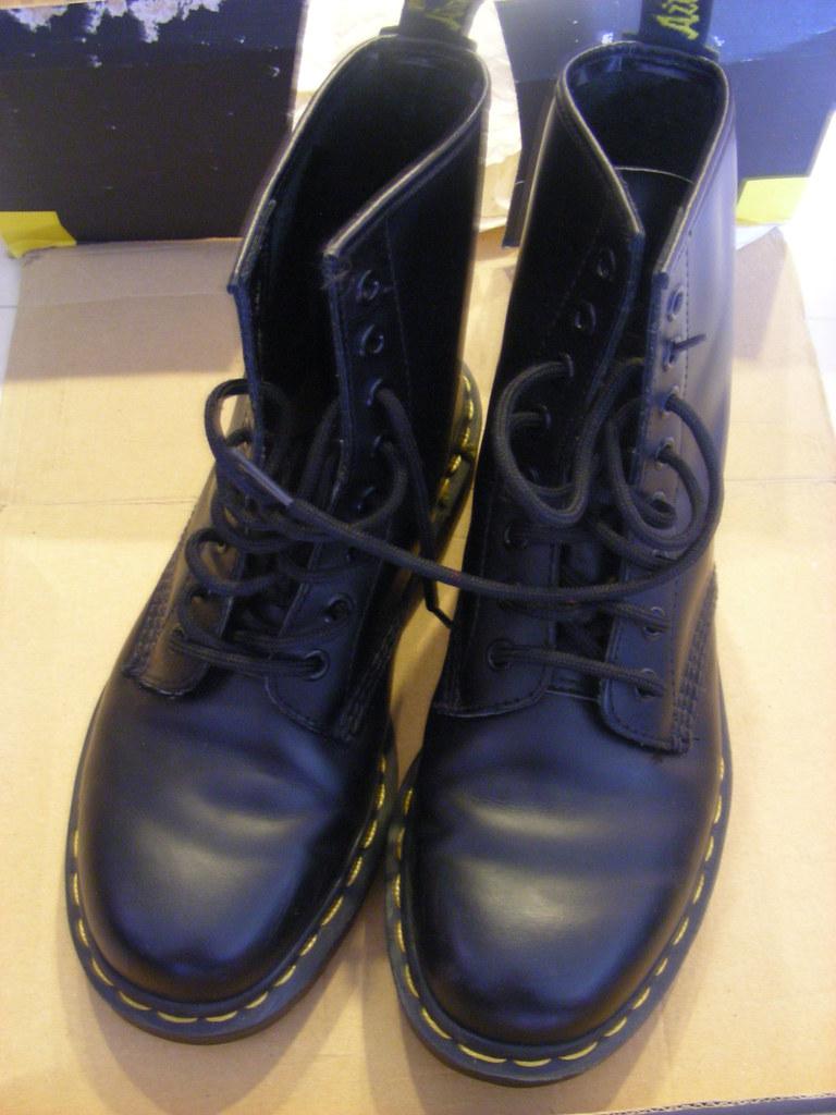 Dr Marten 馬丁大夫鞋 八孔 1460 英國製 US7號 EU38號 黑色 正面   Dr Marten 馬丁大…   Flickr