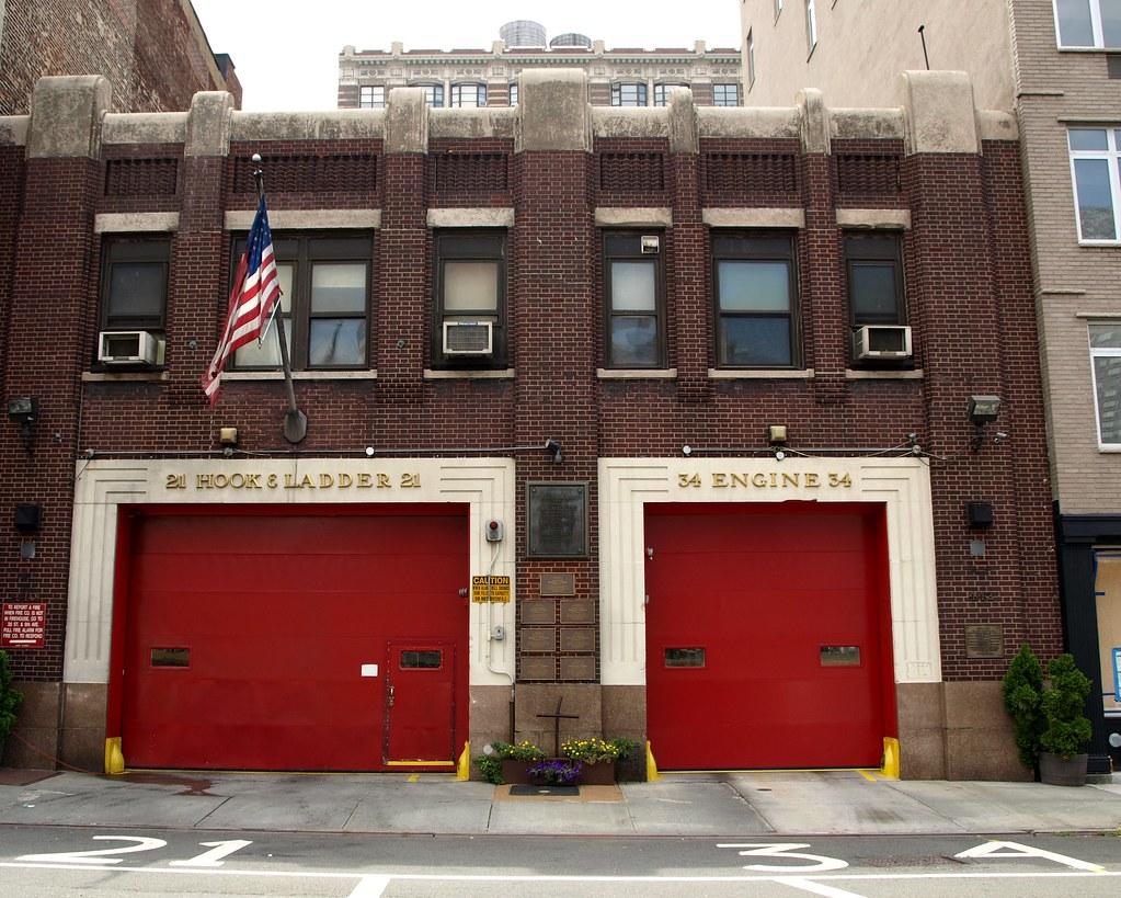 E034 FDNY Firehouse Engine 34  Ladder 21 Hells Kitchen