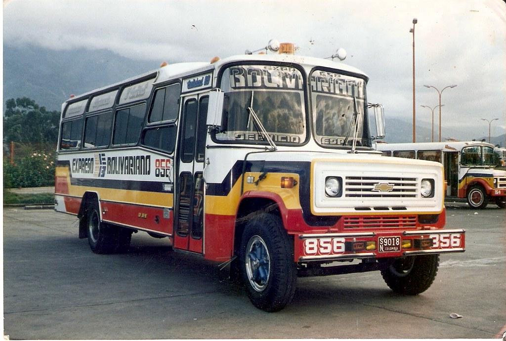 EXPRESO BOLIVARIANO 856  Bus chevrolet b60Superior Foto