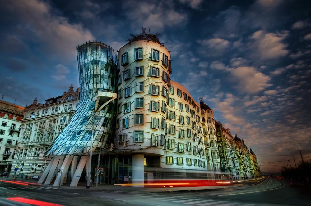 Dancing House Tancici dum Prague  Looks better on