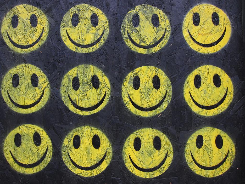 3d Street Wallpaper Ben Eine The Strangest Week Smiley Faces Acid House