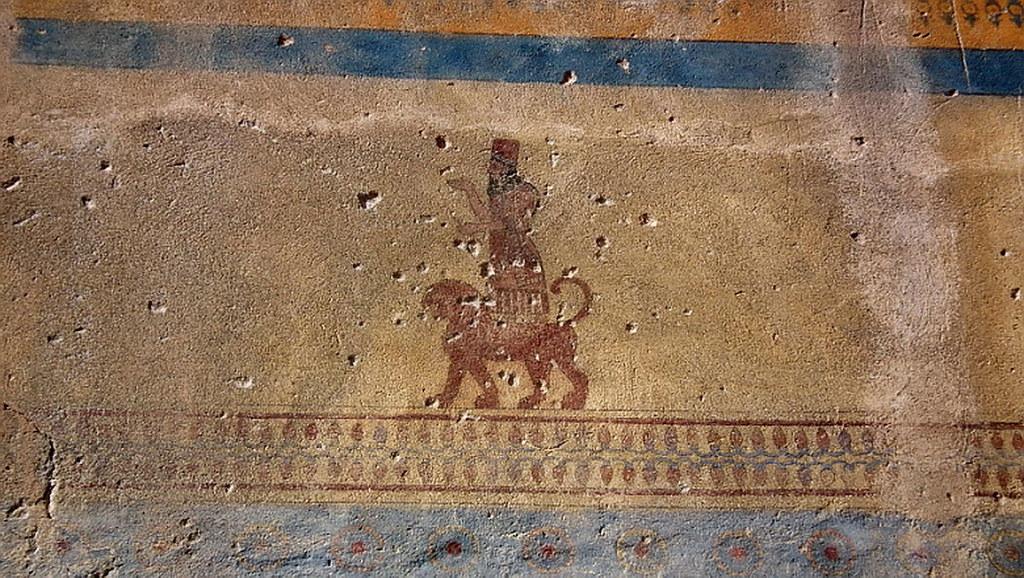 Reconstruccion de la imagen del dios Jaldi Templo de Jaldi Fortaleza de Erebuni Yerevan Armenia 07