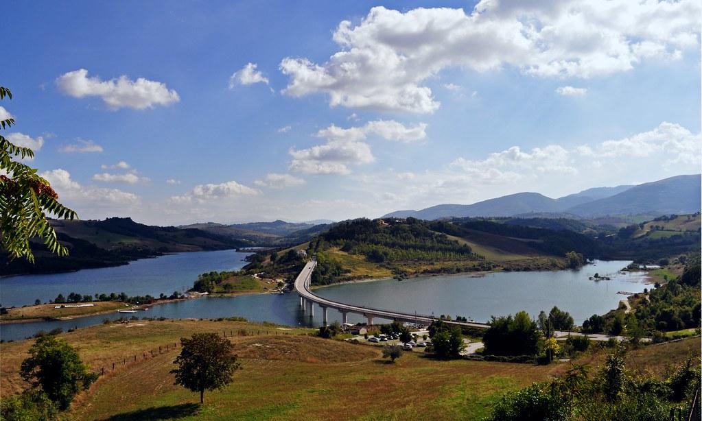 Lago di Castreccioni  Cingoli MarcheItaly  Il lago