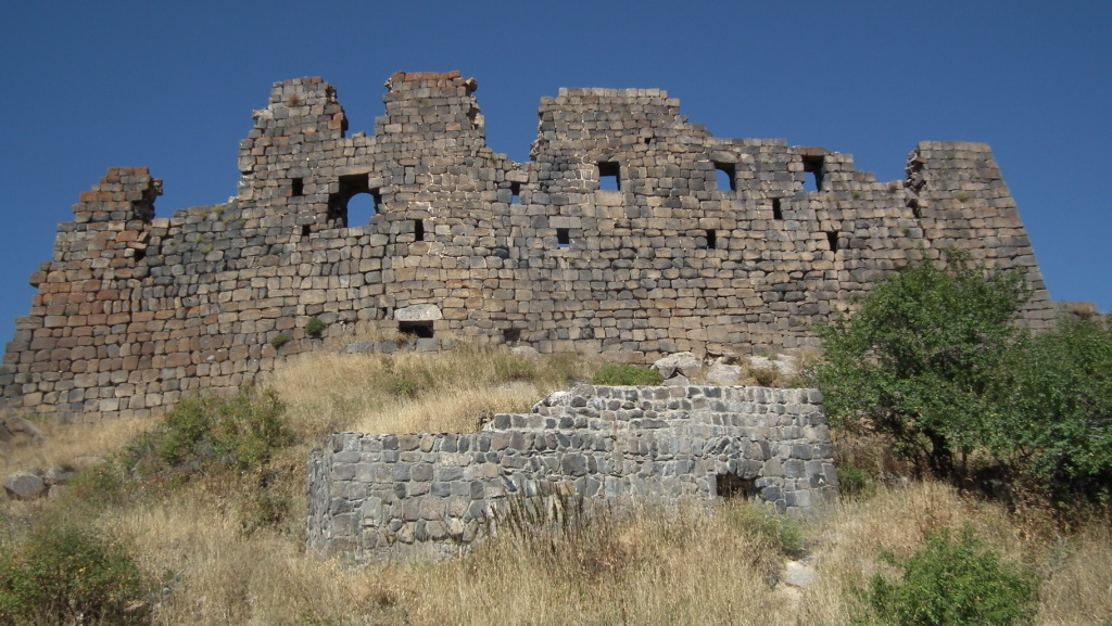 Exterior del Castillo o Fortificacion de Amberd Armenia 03