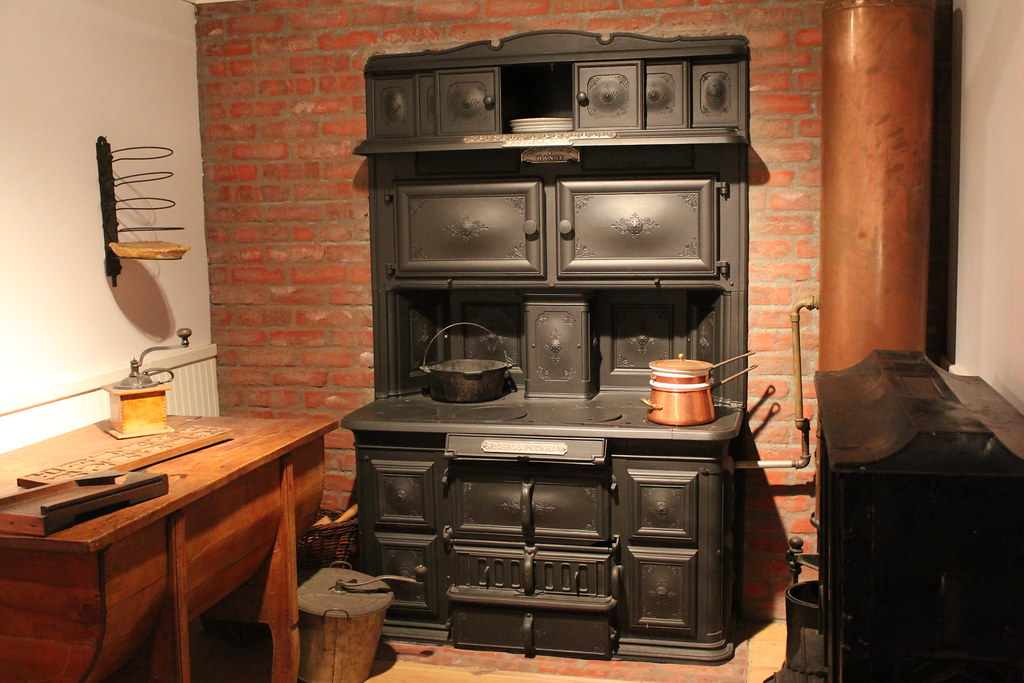Spicers  Peckhams Coal Cook Stove  The display reads