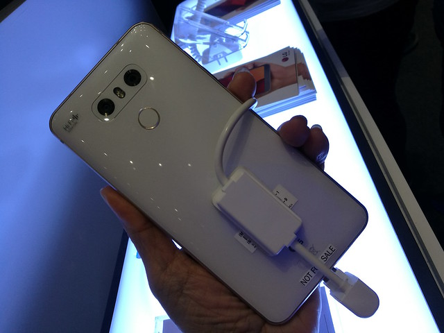 LG G6 back view