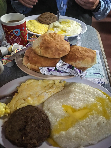 Breakfast at Little Biscuit Barn in Honea Path