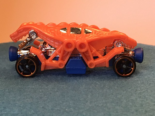 Hot Wheels Double Demon, 2017 Street Beasts 8/10