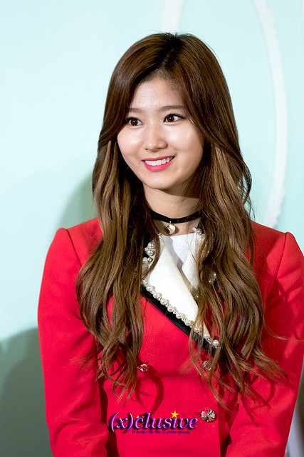 twice-sana-sgxclusive-1