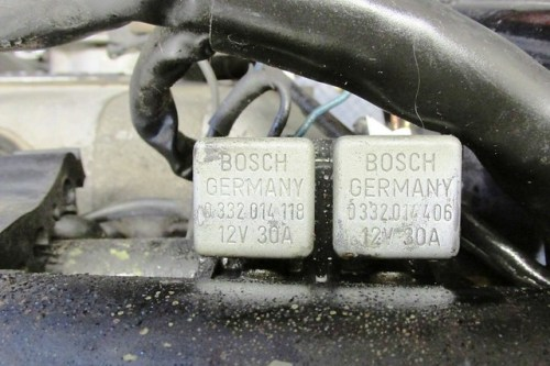 Horn Relay (Right) Starter Relay (Left), From Top Showing Bosch Part Nos.